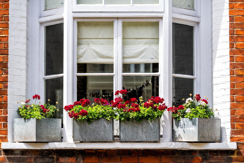 4 Reasons You Should Consider A Living Room Bay Window